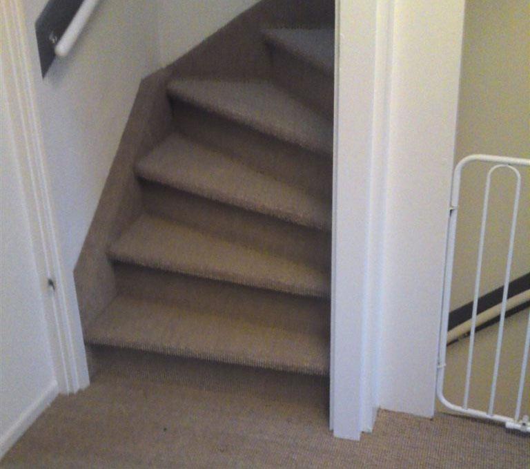 Dichte trap voordelig laten bekleden met sisal al vanaf for Dichte trap maken
